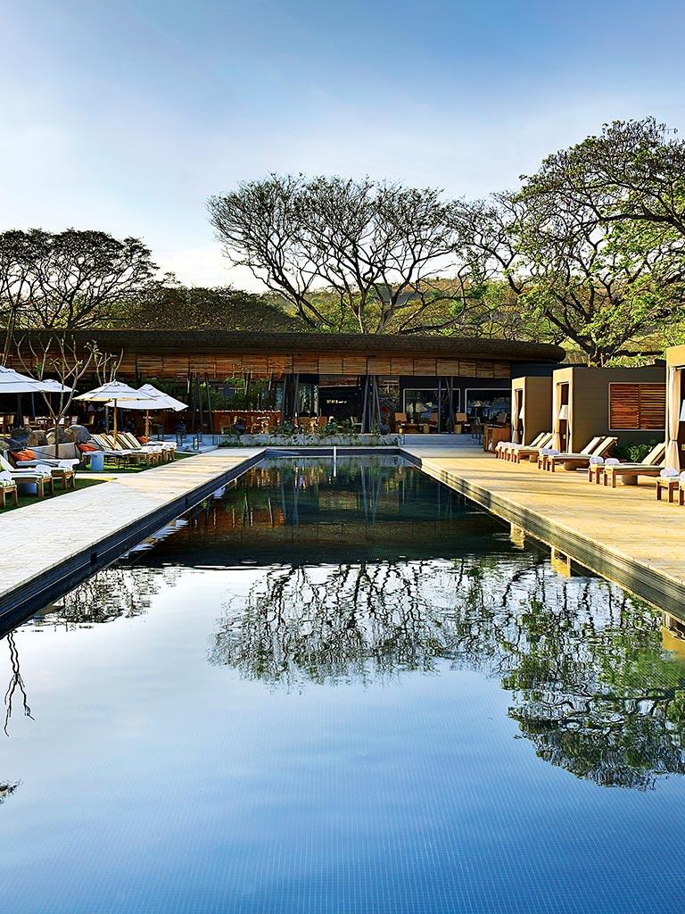Discover Costa Rica Deluxe